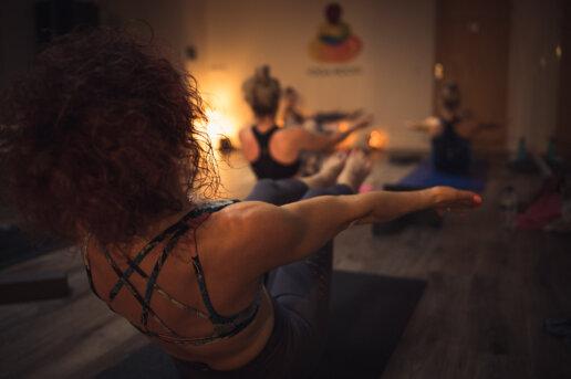 Yoga class photographer